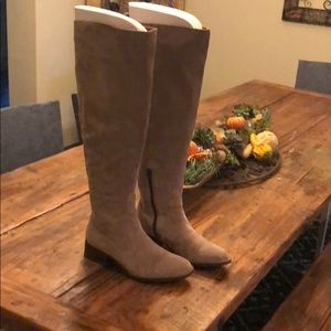 Born over the knee gray suede boots